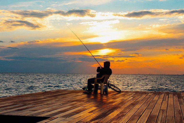 Dlaczego namiot szybko składany sprawdzi się na wyjazdach na ryby?