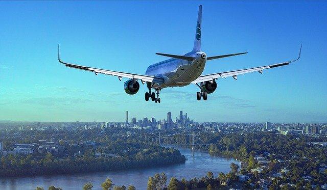 Co musisz wiedzieć o podróży samolotem z niemowlakiem